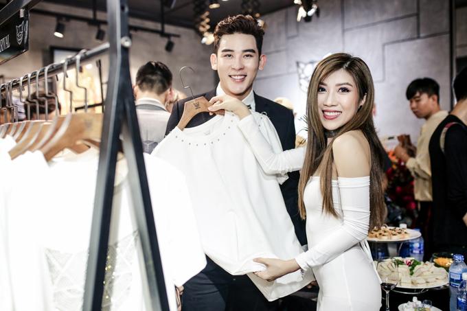 Trang Trần khoe ngực - 5