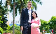 Lan Phương sinh con gái đầu lòng với chồng Tây