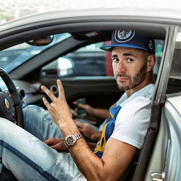 Ước tính tổng giá trị bộ sưu tập xe hơi của Benzema lên tới hơn ba triệu bảng, trong đó có nhiều thương hiệu xe khác nhau.