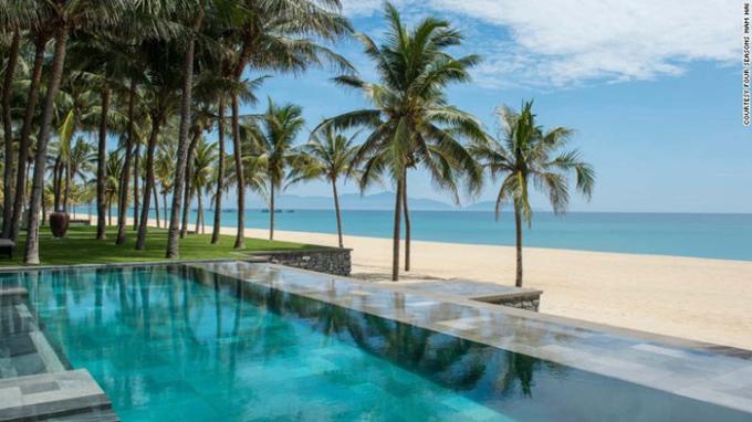 Không chỉ được du khách bình chọn, khu nghỉ này còn là điểm dừng chân của nhiều sao Việt như Á hậu Tú Anh, Huyền My hay nhiều sao Hàn nổi tiếng như vợ chồngLee Byung Hun - Lee Min Jun, Son Ye Jin, So Ji Sub, Han Hyo Joo.