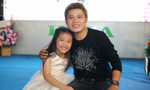 Nguyễn Văn Chung lần đầu cho con gái 7 tuổi tham gia liveshow