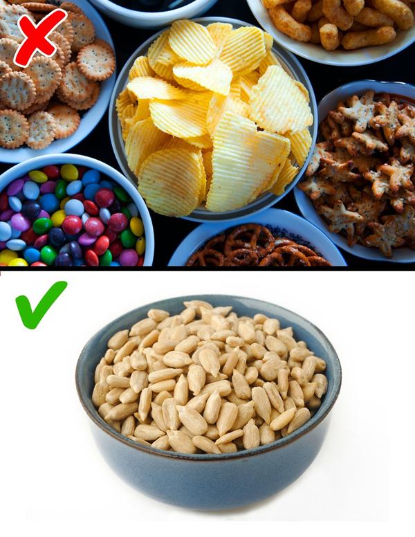 Ăn vặt lành mạnh Thay vì ăn bánh, kẹo hay các món chứa nhiều đường, hãy ăn vặt bằng các loại hạt, ngũ cốc dinh dưỡng để cắt giảm lượng calories nạp vào.