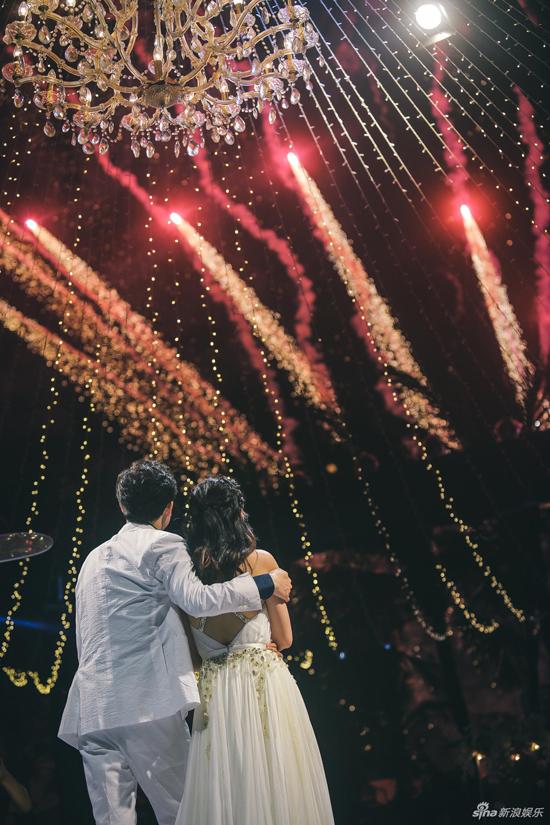 Những khoảnh khắc đẹp lung linh trong hôn lễ.