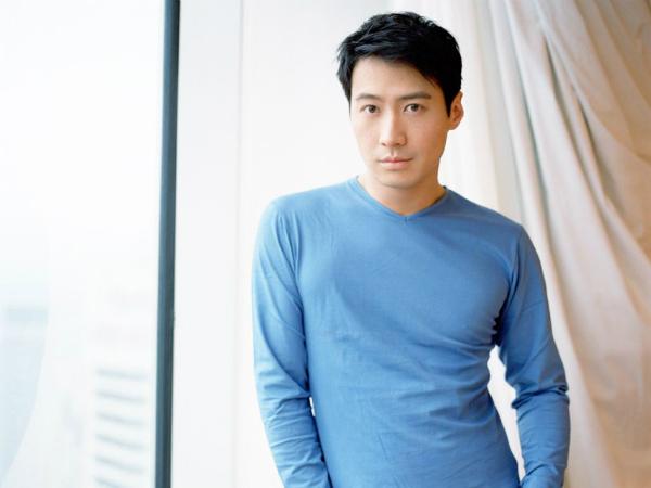 Là thiên vương đẹp trai nhất nhưng đường tình duyên của Lê Minh trắc trở hơn ba người còn lại.