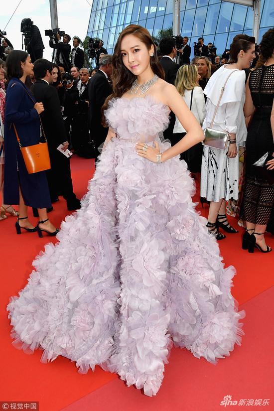 Loạt mỹ nhân Trung Quốc lăng xê mốt ngực phẳng trên thảm đỏ Cannes - 5
