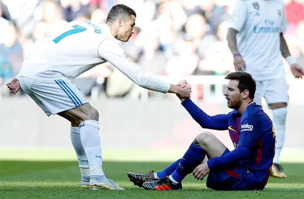 Tiền đạo Barca chỉ muốn hoàn thiện bản thân, không thích ganh đua với bất kỳ ai.