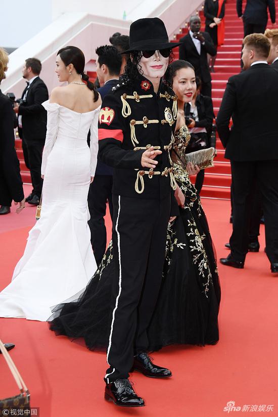 Loạt mỹ nhân Trung Quốc lăng xê mốt ngực phẳng trên thảm đỏ Cannes - 8