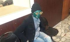 Tên trộm sơn mặt màu xanh lá để trốn cảnh sát