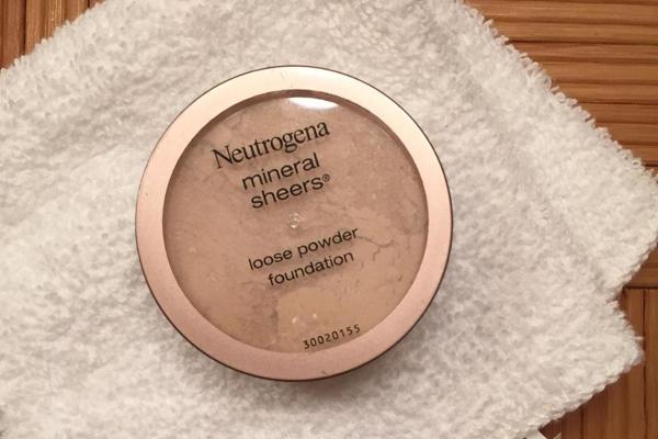 Phấn bột của Neutrogena