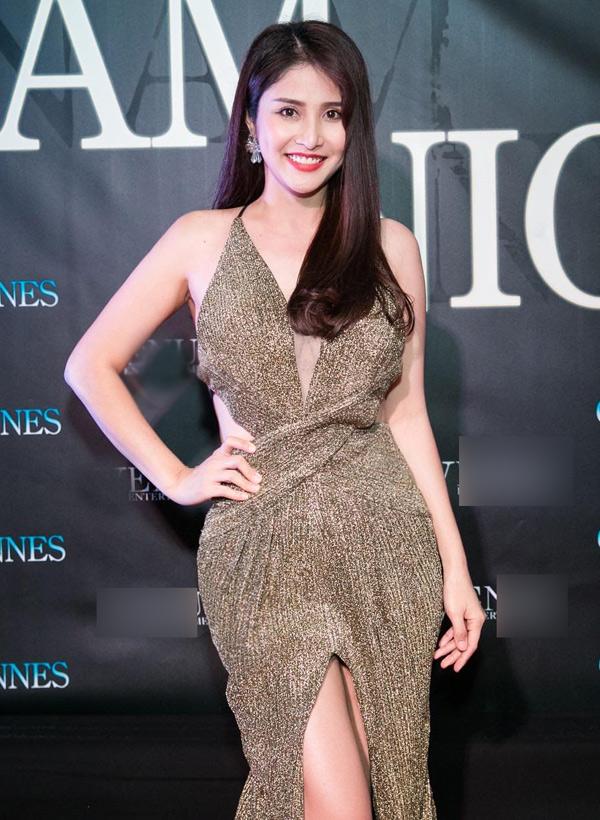 Thảo Trang vừa đoạt Á hậu 1 cuộc thi Mrs Áo dài 2018 do ông bầu Vũ Khắc Tiệp tổ chức tại thủ đô Paris. Sau khi đăng quang, cô được mời tham dự buổi tiệc Vietnam Night diễn ra ở thành phố Cannes.