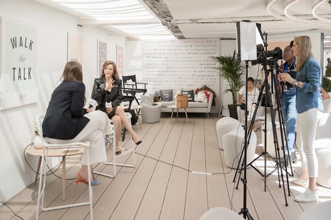 Trong chuyến công tác Cannes, Lý Nhã Kỳ được tạp chí điện ảnh song ngữ Anh - Pháp Gaga Croisette mời trò chuyện về chủ đềnữ quyền.