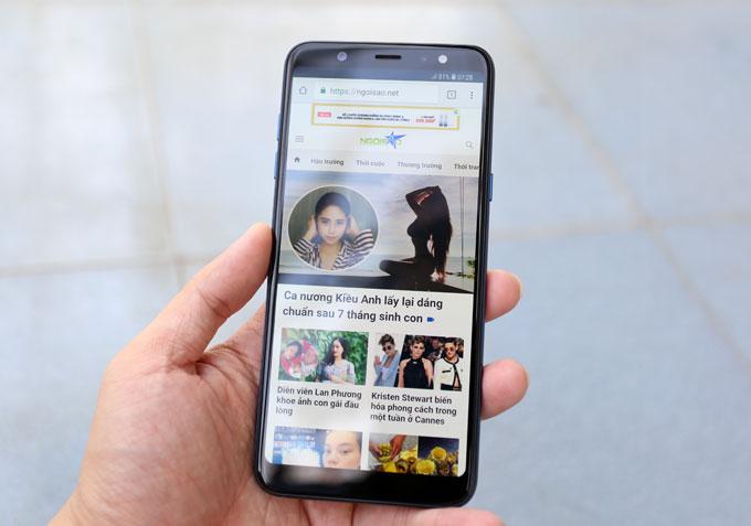 Smartphone trang bị màn hình Infinity Display tràn viền công nghệ Super Amoled với tỷ lệ 18.5:9. Kích thước màn hình của Galaxy A6+ là6 inch. Máy có phần cứng gồm vi xử lý 8 nhân tốc độ 1.8 GHz RAM 4GB bộ nhớ trong 32GB. Dung lượng pin là3.500 mAh.