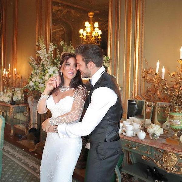 Ảnh cưới của Fabregas và bà xã 5 con hơn anh 11 tuổi - 8
