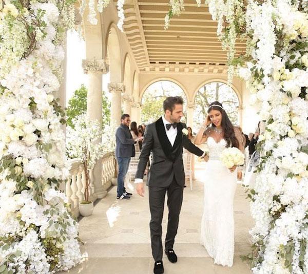 Ảnh cưới của Fabregas và bà xã 5 con hơn anh 11 tuổi - 11