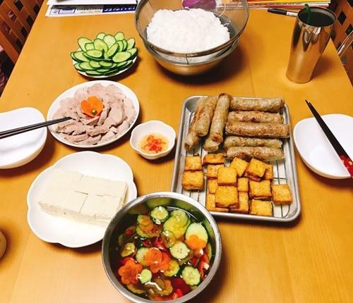 Bữa cơm Việt - Nhật kết hợp của nàng dâu Hải Dương tại Hyogo