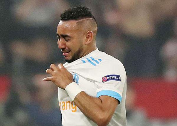 Rời sân với gương mặt đầm đìa nước mắt, thủ quân Marseille tiếc nuối khi không thể cùng các đồng đội