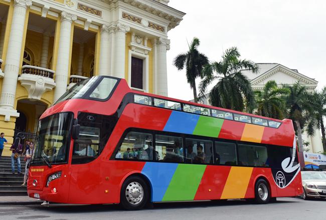Xe buýt 2 tầng sẽ phục vụ du khách từ 9h sáng đến 17h chiều hằng ngày.