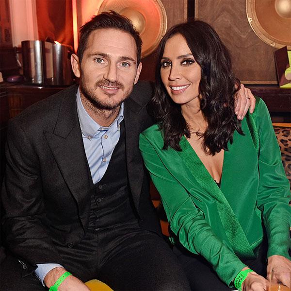 Vợ chồng cựu tiền vệ Anh có tin vui sau gần ba năm kết hôn. Ảnh: Hello.