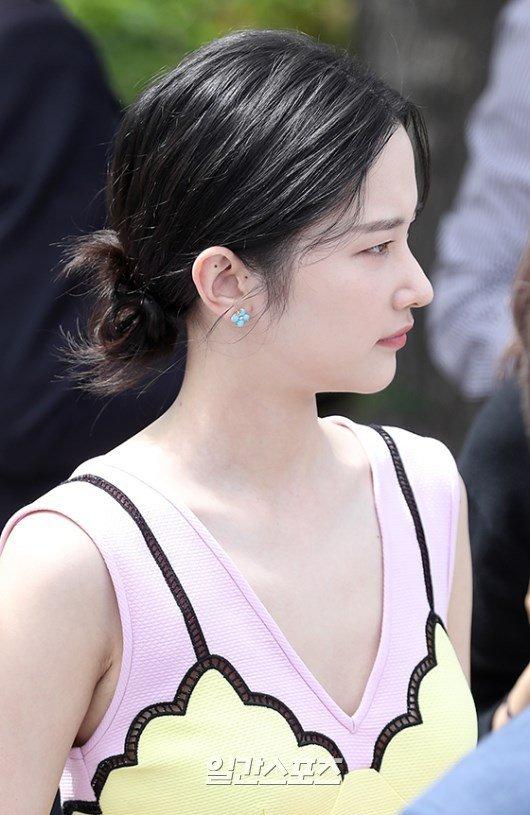 Nàng thơ mặt lạnh củađiệnảnh Hàn tươi rói tại Cannes - 1