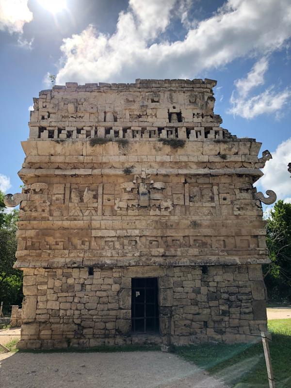 Người Maya cổ đại đã để lại nhiều công trình kiên cố, ấn tượng.