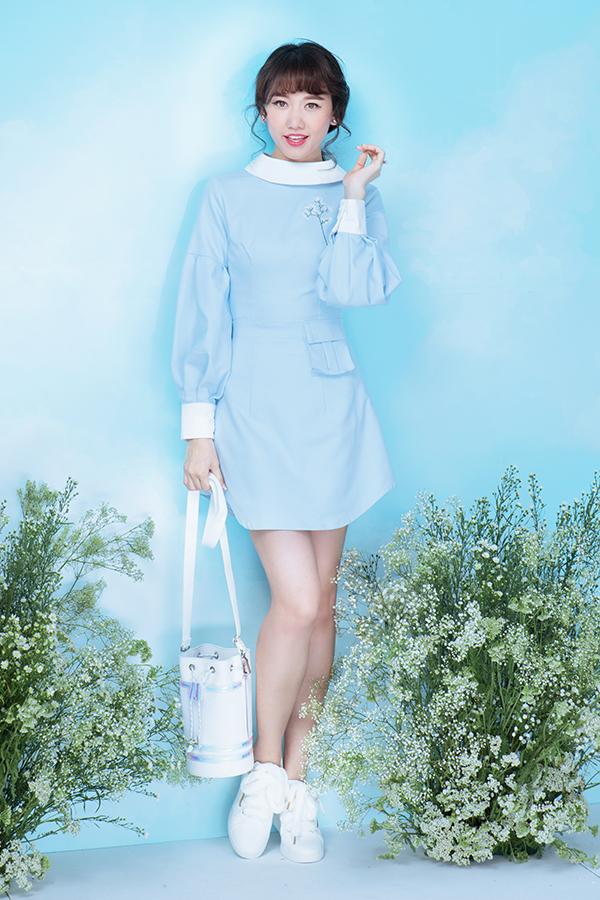 Bộ ảnh được thực hiện với sự hỗ trợ của nhiếp ảnh Milor Trần, stylist Kye Nguyễn, trang điểm Đỗ Hoàng Vũ, làm tócGill Nguyễn.