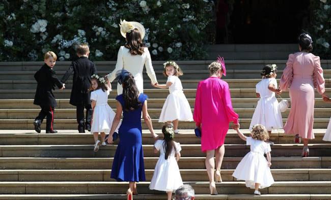 Công chúa Charlotte khiến trái tim người hâm mộ tan chảy - 10