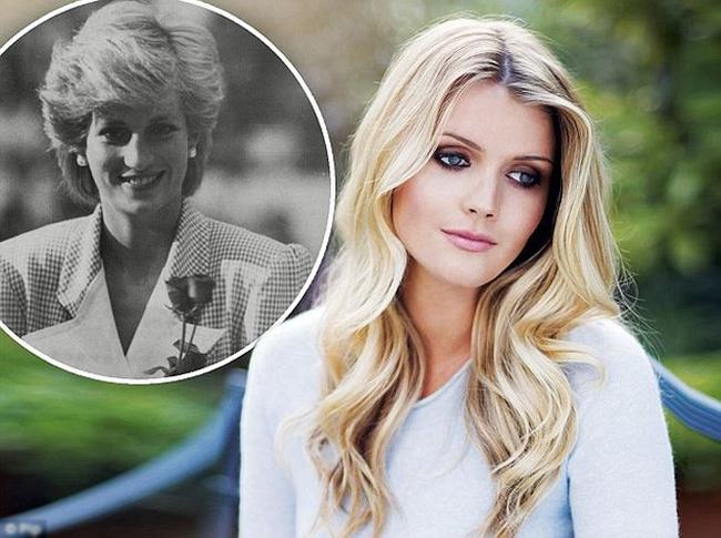 Cô cũng được coi là một trong những phụ nữ trẻ có điều kiện tốt nhất ở London. Kitty vừa chia tay bạn trai đại gia hồi đầu mùa hè.