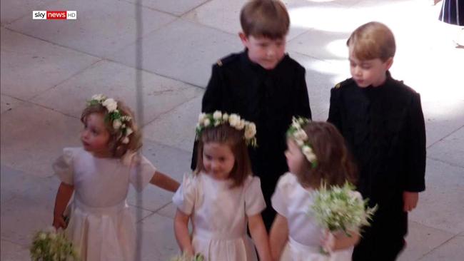 Kate đi cùng hai con và dàn phù dâu, phù rể nhí vào đám cưới - 4
