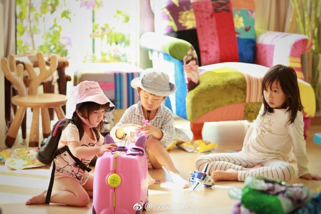 Vợ chồng Trần Hạo Dân và 4 con tận hưởng tiệních sốngtrong căn hộ áp mái - 10