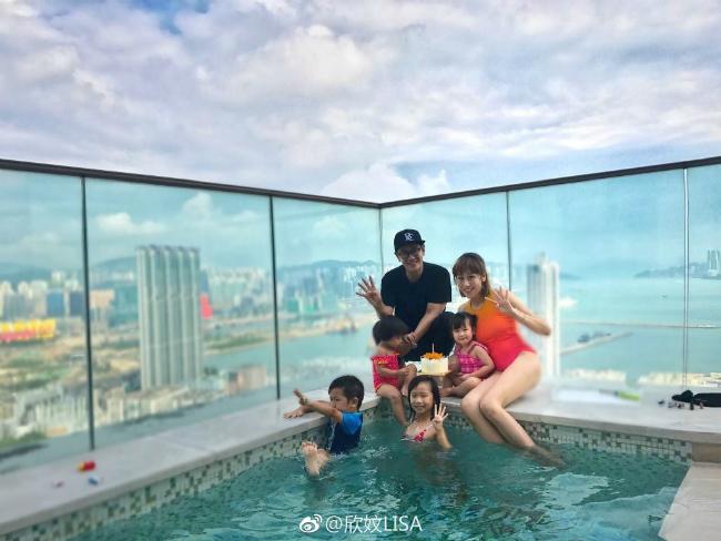 Vợ chồng Trần Hạo Dân và 4 con tận hưởng tiệních sốngtrong căn hộ áp mái - 3