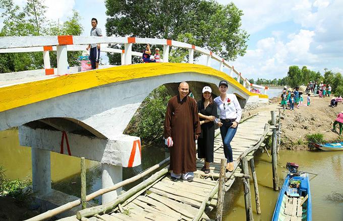 Trong tương lai, Trang Trần tiếp tục quyên tiền để xây cầu và nhiều ngôi nhà tình thương khác.