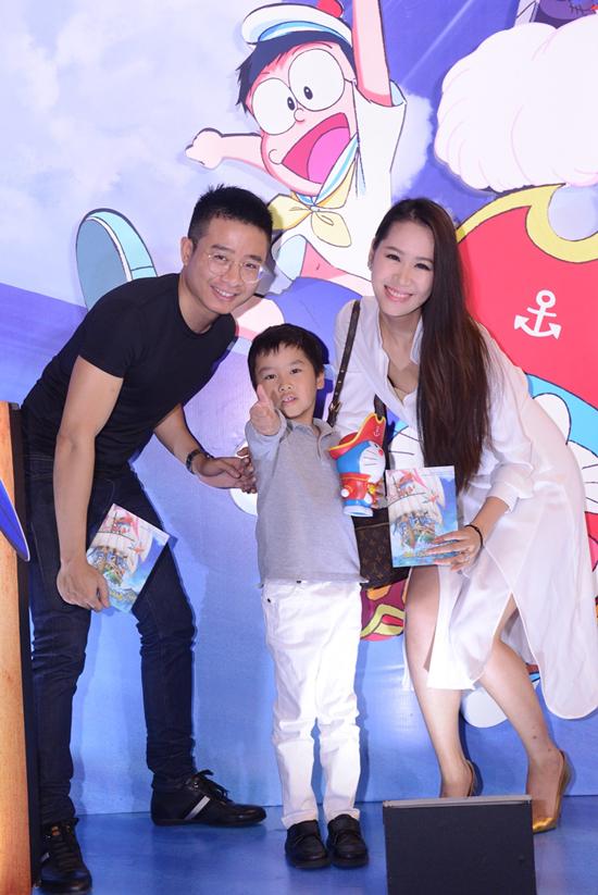 Vợ chồng Hoa hậu Dương Thuỳ Linh và con trai Tót.