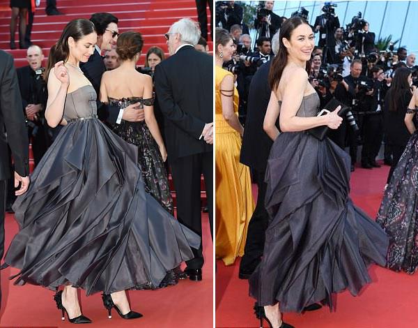 Người đẹp 38 tuổi xúng xính trong bộ đầm Dior xếp ly độc đáo.