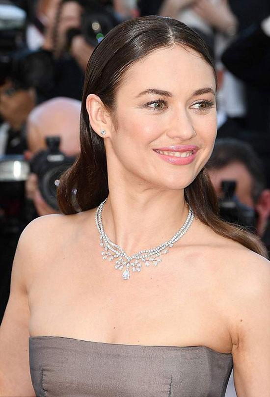 Olga từng nổi tiếng với vai diễn Bond Girl bộ phim Quantum of Solace (Định mức khuây khỏa) năm 2008. Từ sau tác phẩm này, người mẫu kiêm diễn viên Ukraine chuyển hẳn tới Hollywood phát triển sự nghiệp.