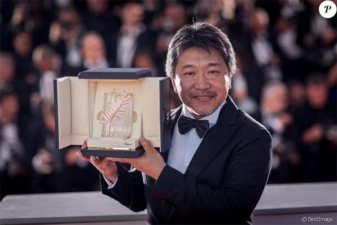 Sau buổi chiếu phim, các giải thưởng của liên hoan phim 2018 được công bố. Tác phẩm Shoplifters của đạo diễn người Nhật, Hirokazu Kore-eda nhận giải Cành cọ vàng.