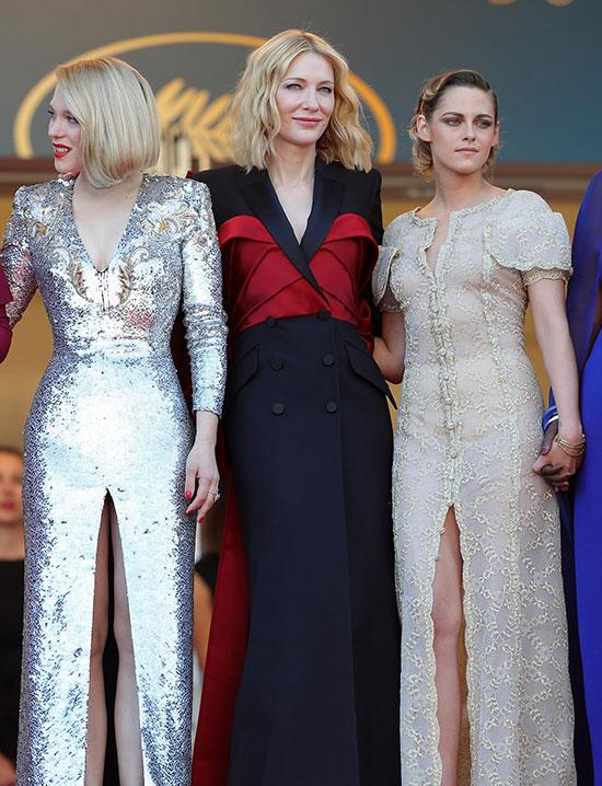 Cate bên hai nữ giám khảo trẻ: nữ diễn viên Lea Seydoux (bên trái) và Kristen Stewart.