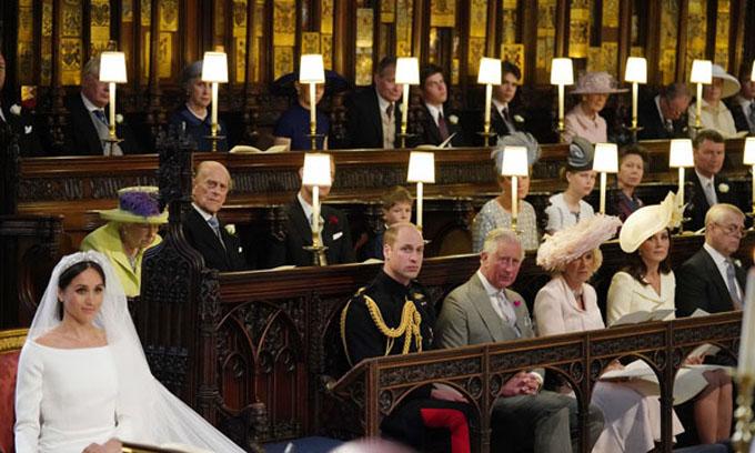 Chiếc ghế trống ở bên cạnh Harry trong đám cưới Harry - Meghan gây chú ý. Ảnh: AFP.