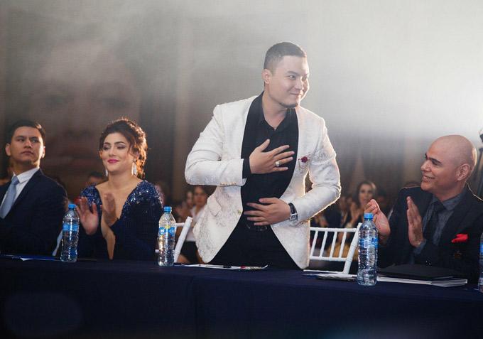Đức Vincie từng hỗ trợ trang phục cho đại diện của Mexico thi Miss Grand tại Việt Nam. Khi cuộc thi kết thúc, những người bạn Mexico giữ liên lạc với nhà thiết kế Việt và ngỏ lời mời anh chấm thi Miss Mexico 2018. Đức Vincie mặc lịch lãm ngồi ghế nóng vòng bán kết Miss Mexico.