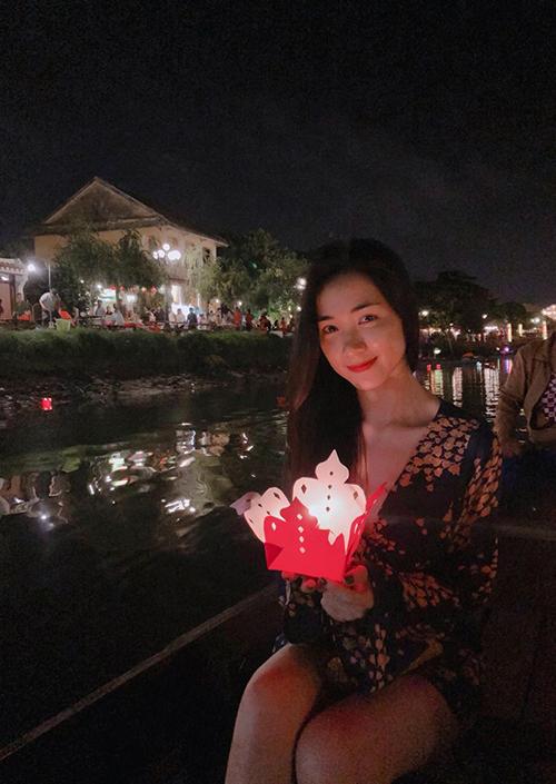 Hoà Minzy đang có kỳ nghỉ ở Hội An sau thành công của MV mới.