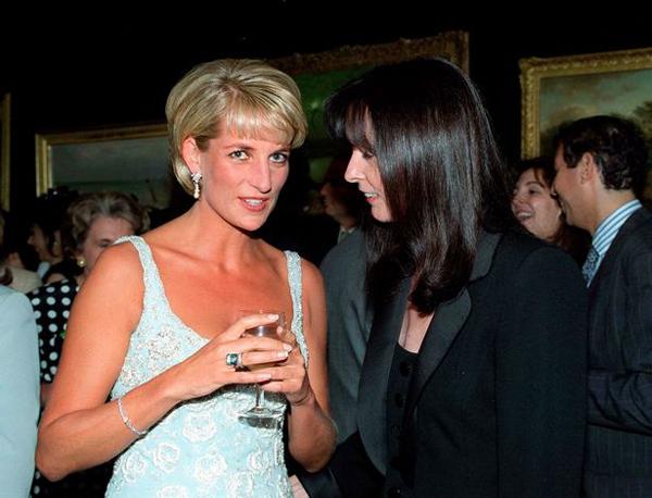 Công nương Diana từng đeo chiếc nhẫn này một lần trong sự kiện từ thiện.