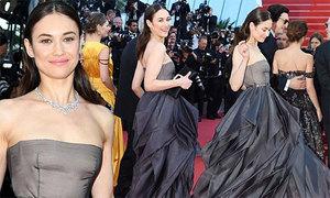 'Bond girl' Olga Kurylenko khoe dáng trên thảm đỏ Cannes ngày bế mạc