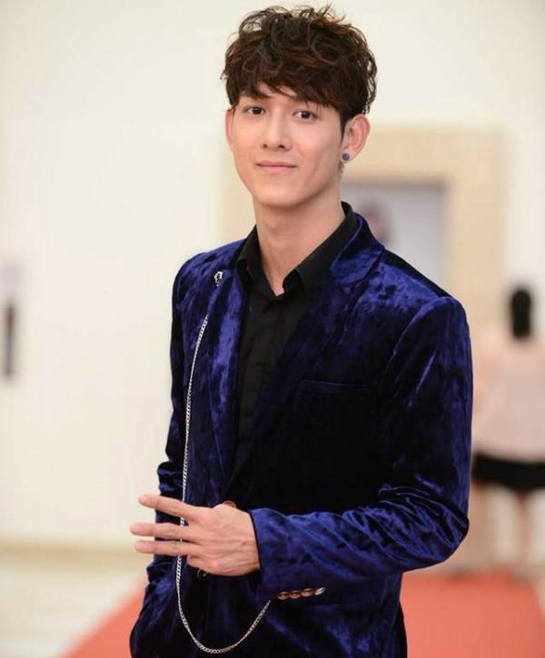 Ca sĩ - nam diễn viên Song Luân.