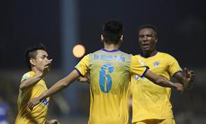 Hạ Than Quảng Ninh, Thanh Hoá giải cơn khát chiến thắng ở V-League