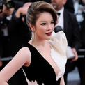 Lý Nhã Kỳ diện đầm đuôi cá đen trắng trong ngày bế mạc Cannes