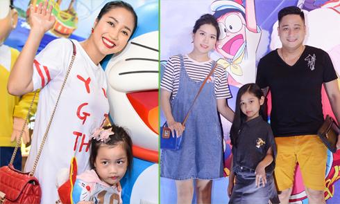 Sao Việt nô nức đưa con đi xem phim hoạt hình Doraemon