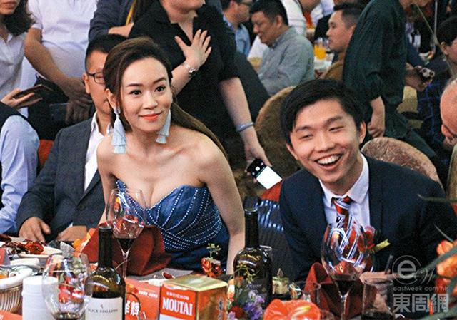 Dương Tư Kỳ sexy khi tham gia hoạt động hôm cuối tuần.