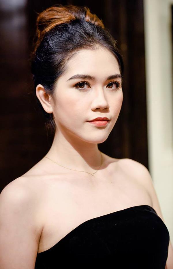 Thùy Dương sinh năm 1990, từng thi Hoa hậu Việt Nam 2010. Sau khi kết hôn, cô rút lui khỏi làng giải trí,mở lớp đào tạo người mẫu MTS ở Hà Nội và bận rộn vớithiên chức làm vợ, làm mẹ.