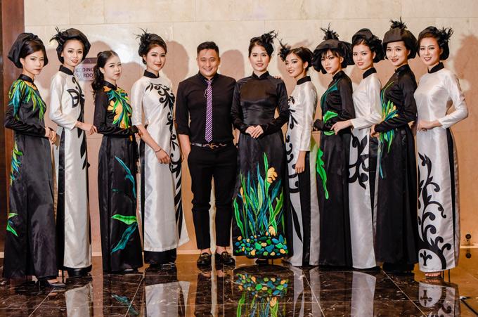Vợ Minh Tiệp làm vedette diễn sưu tập áo dài và váy dạ hội gam đen của nhà thiết kế Nga Cocoon trong chương trình này.