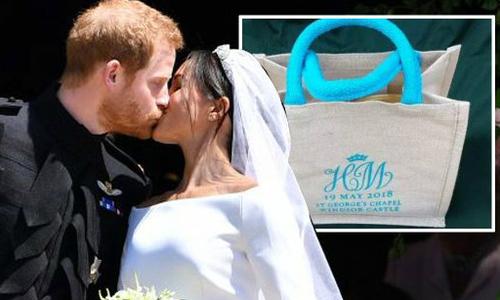Bên trong túi quà cảm ơn khách mời đám cưới của Hoàng tử Harry