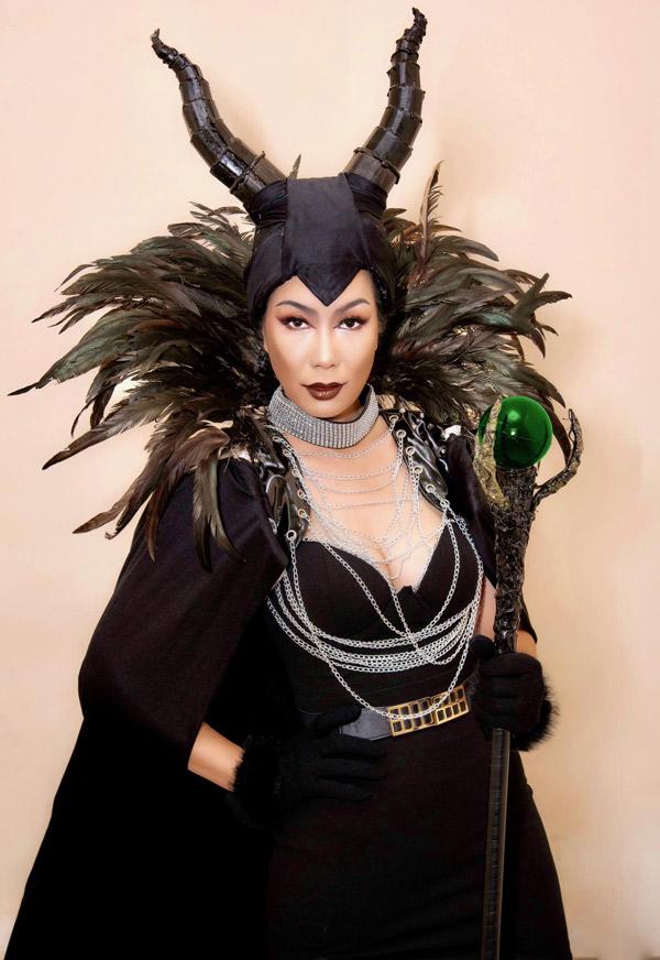 Trịnh Kim Chi hiện hoạt động trong làng giải trí với vai trò diễn viên phim truyền hình và đóng kịch. Chị mở hẳn sân khấu kịch mang tên mình tại TP HCM. Hai năm qua tụ điểm giải trí của Trịnh Kim Chi duy trì thực hiện các vở kịch thiếu nhi mang màu sắc cổ tích, dàn dựng công phu.